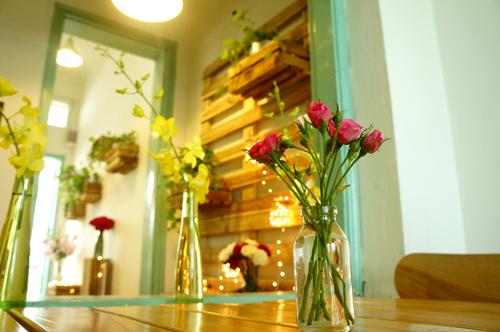 Những quán uống chậm chất thơ trong lòng Hà Nội