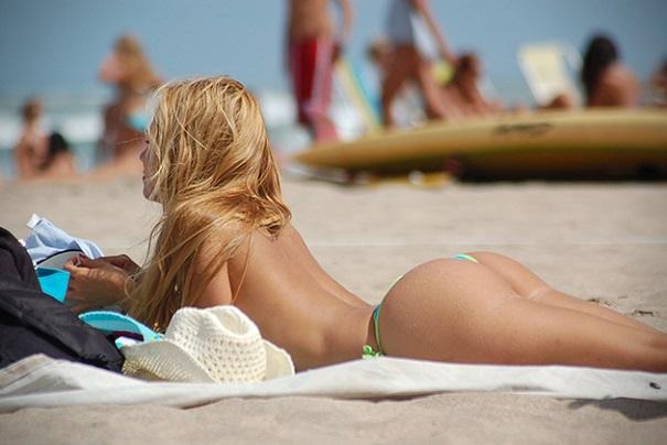 5 bãi 'tắm tiên' nóng bỏng nhất St.Tropez, Pháp