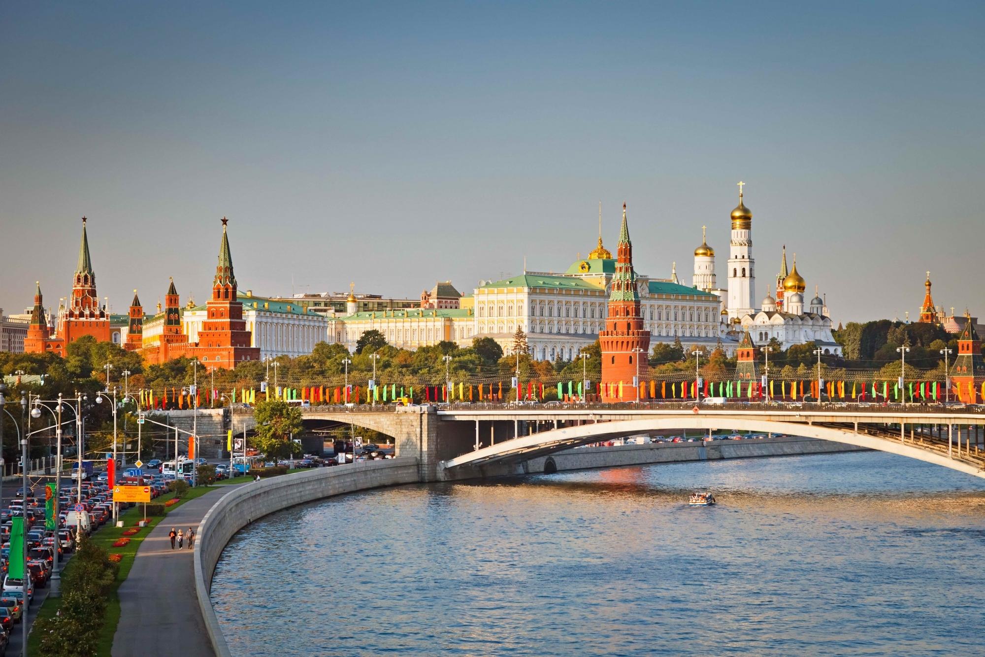 Đêm trắng ở St.Peterburg, mơ hồ giữa ngày và đêm