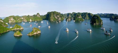 Quảng Ninh chú trọng phát triển du lịch