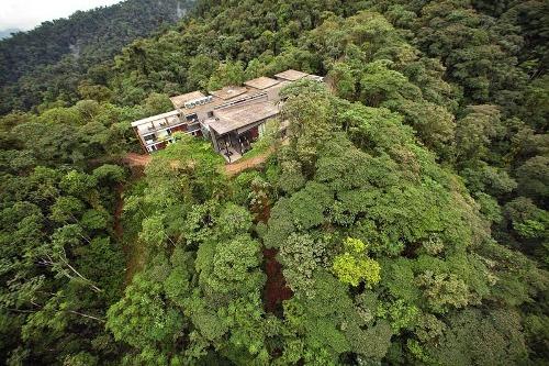 Xe đạp bay xuyên rừng Ecuador