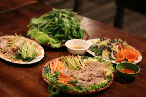 Ba quán ăn chuyên bò hút khách ở Hà Nội