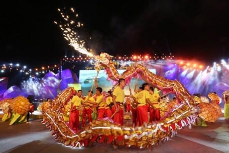 Carnaval Hạ Long 2015 chính thức khai mạc vào tối nay 8/5