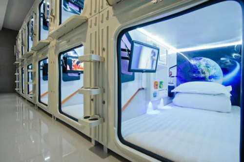 Khách sạn con nhộng giá 8 USD một đêm ở Sài Gòn