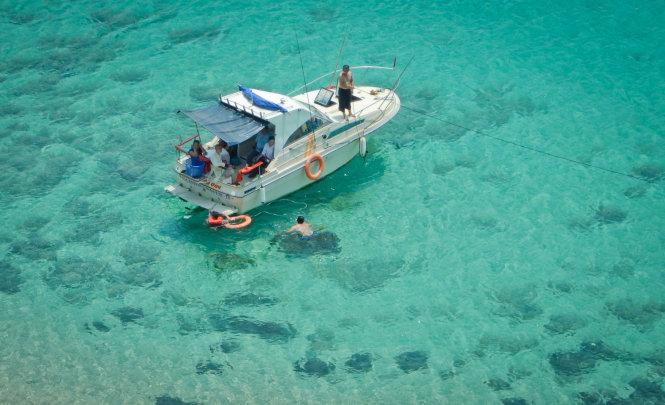 Mùa Hè du lịch bụi ở đảo Phú Qúy