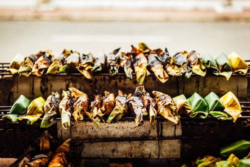 Chuối nếp nướng chan nước cốt dừa nổi tiếng miền Tây