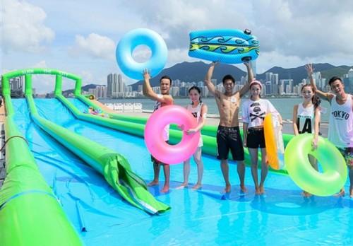 Hong Kong mở đường trượt nước dài hơn 300 m