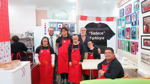 Quán cà phê Down ở Thổ Nhĩ Kỳ
