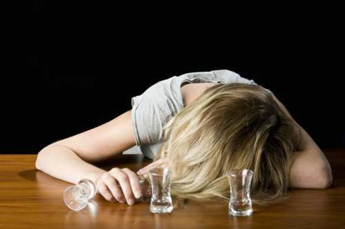 10 dấu hiệu chứng tỏ bạn quá tuổi đi hộp đêm
