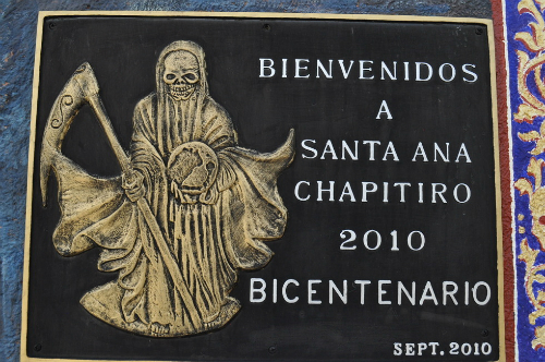 Đền thờ nữ thần chết kỳ lạ ở Mexico