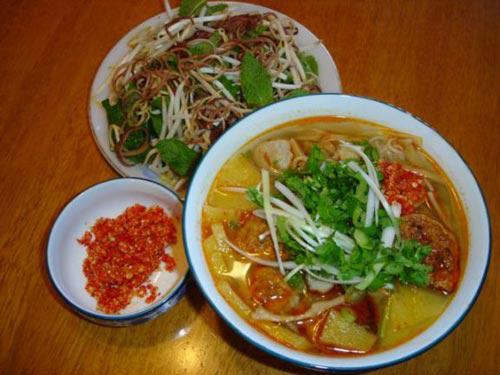 Món ăn đường phố ở Đà Nẵng níu chân du khách