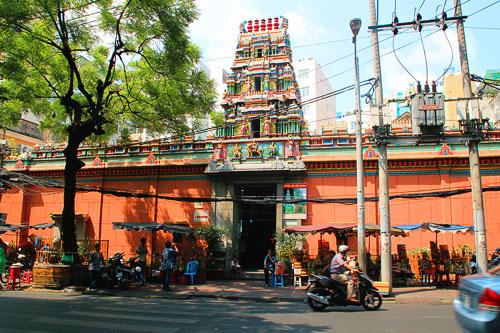 Ngôi đền Ấn Độ giữa lòng Sài Gòn
