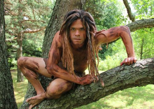 Tarzan trốn vé, làm loạn sở thú