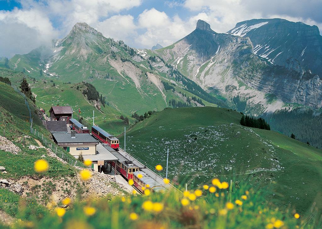 Chuyến xe lửa 'chạm' đến thiên đường tuyết trắng Jungfraujoch
