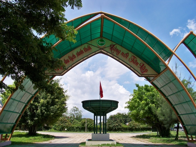 Tham quan khu du lịch sinh thái – làng nổi Tân Lập