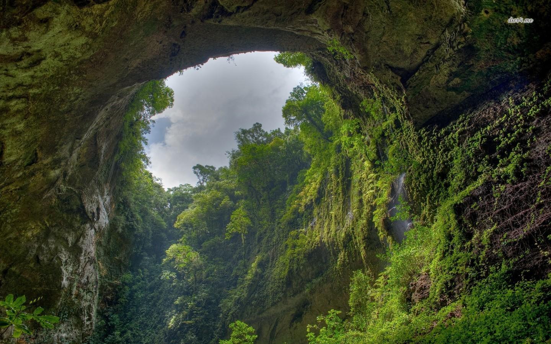 Do mưa lũ, hang Sơn Đoòng tạm dừng khai thác đến tháng 2.2016