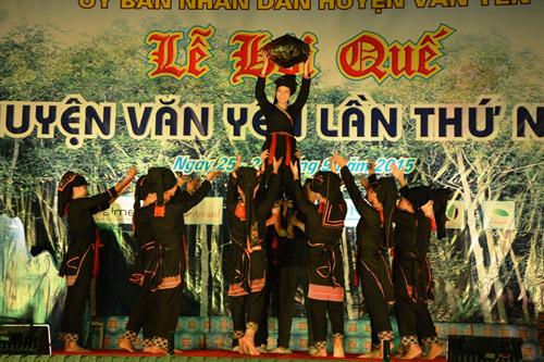 Lễ hội quế diễn ra sôi nổi ở Yên Bái