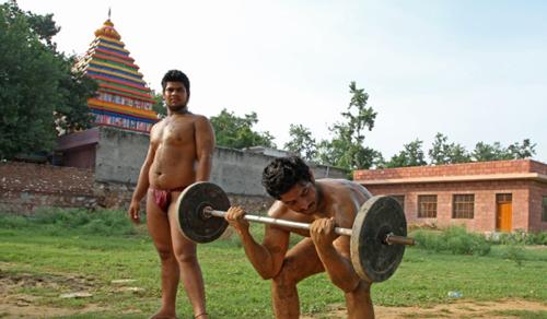 Ngôi làng toàn đàn ông 'vạn người mê' ở Ấn Độ