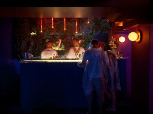 Quán bar nơi không uống cũng say