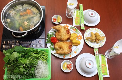 Thưởng thức món gà truyền thống ở Hà Nội