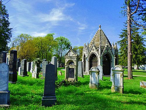 Tour du lịch đến thăm người chết