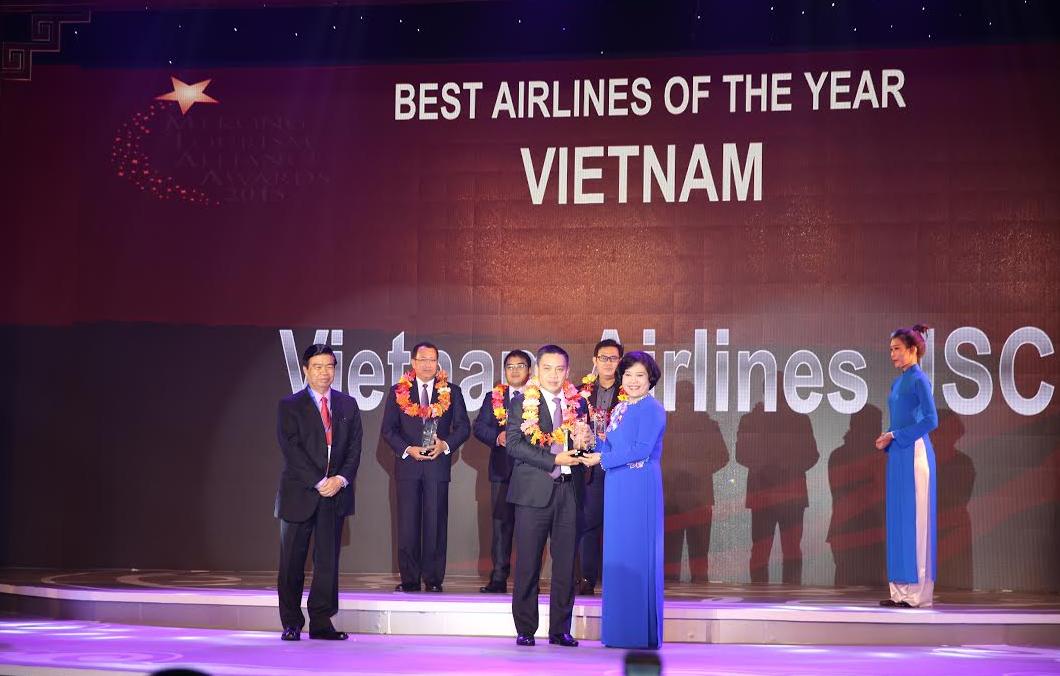 Vietnam Airlines, Hãng hàng không Việt Nam xuất sắc nhất năm 2015