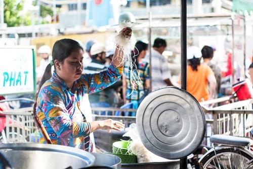 Bữa sáng ở Châu Đốc với hủ tiếu Nam Vang