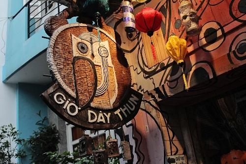 Quán cà phê phong cách Halloween của ca sĩ Loki Bảo Long
