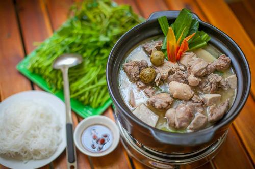Vị chua tự nhiên trong món ngon Việt