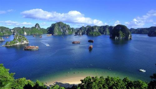 Khách nước ngoài hủy tour Ai Cập, chọn Việt Nam thay thế