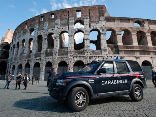 Rome lắp máy dò kim loại tại đấu trường Colosseum