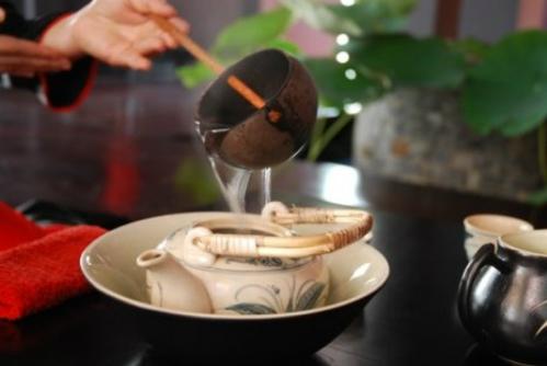 Văn hóa thưởng trà và cuộc thi người đẹp tại Thái Nguyên