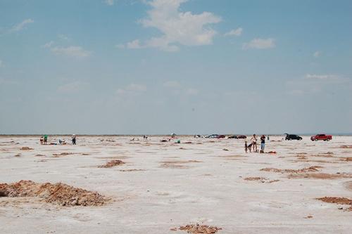 Cánh đồng muối khổng lồ chứa đầy tinh thể lạ ở Mỹ