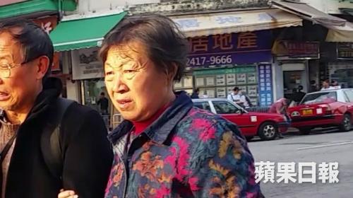 Du khách Trung Quốc nhầm áo cứu hộ trên máy bay là quà tặng