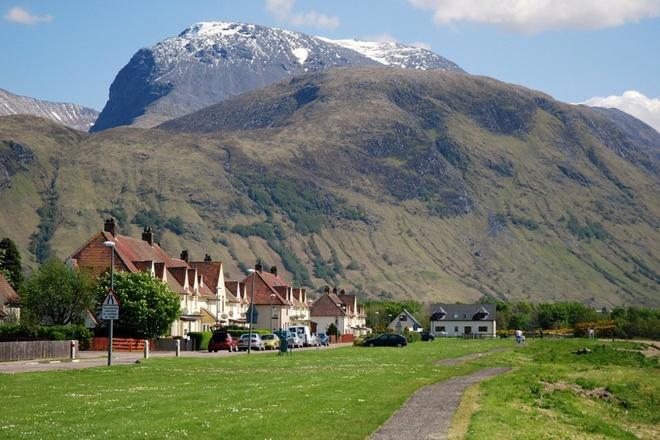 Uống rượu với đá bị coi là ngớ ngẩn ở Scotland