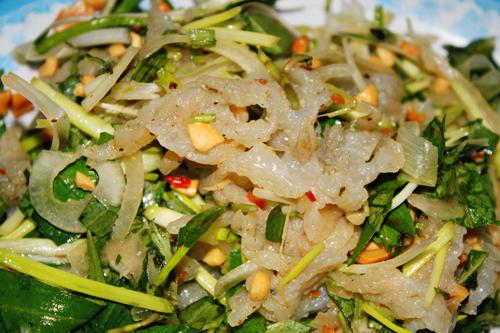 Ba món gỏi hải sản đắt khách mùa hè