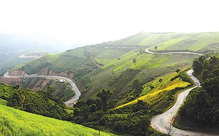 Chinh phục đèo 'Trời và Đất' thung lũng Lai Châu