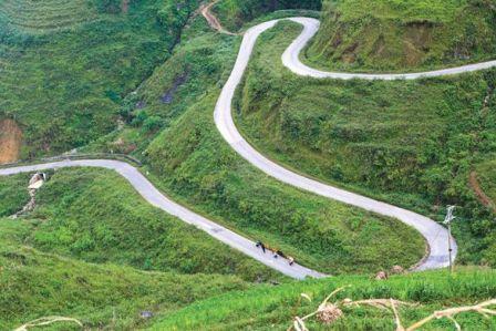 Đèo Lũng Lô hùng vĩ, hiên ngang trong thử thách