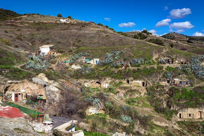 Ghé thăm cộng đồng lập dị sống ở Tây Ban Nha