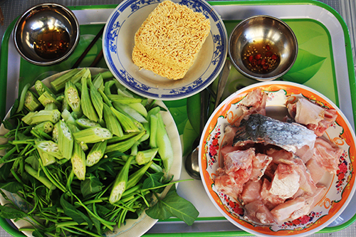 Lẩu cá chẽm, món dân dã trên đảo Thạnh An