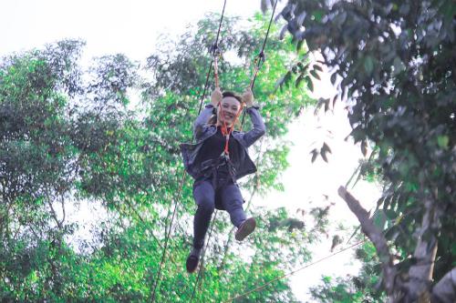 Đà Nẵng có đường trượt zipline đầu tiên dài 300 m