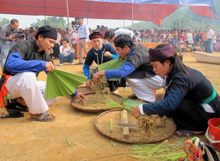 Đến Lào Cai, dự hội cốm của người Tày ở Bảo Yên