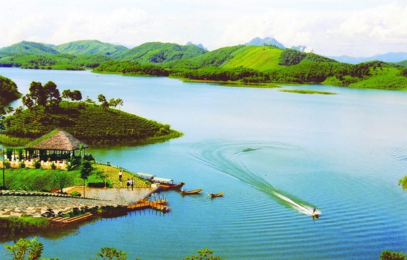 Khám phá hồ nhân tạo lớn nhất Việt Nam