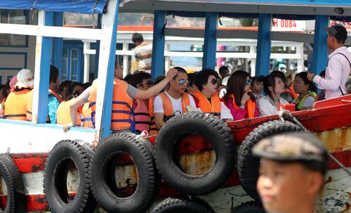 Người Trung Quốc hoạt động du lịch 'chui' ở Khánh Hòa