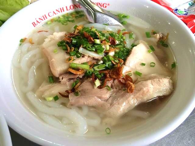 Bánh canh Long Hương thanh ngọt nhưng đậm đà, nổi tiếng đất Vũng Tàu