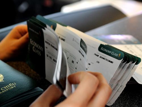 Nhiều vé máy bay khuyến mãi trong tháng 8