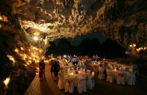 Hạ Long đề xuất tiếp tục bày tiệc trong hang động