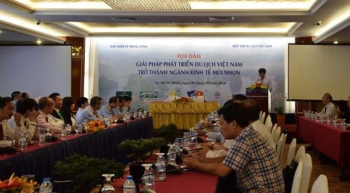 Khách Tây không có chỗ tiêu tiền ở Việt Nam