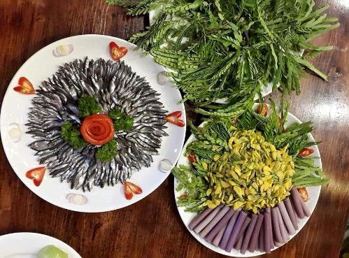 Thưởng thức cá đồng, rau quê giữa Sài Gòn