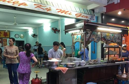 Tiệm mì 'thảy' gia truyền nổi tiếng ở Vũng Tàu